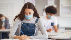 أوصى المعهد الوطني للصحة العامة في كيبيك بخفض عدد التلاميذ في الصف إلى النصف، الأمر الذي لم تقم به الحكومة - iStock / Ridofranzi