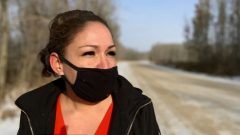بوني برونو حصلت على موافقة المحكمة لإقامة دعوى جماعيّة في قضيّة نساء من السكّان الأصليّين فقدن وضعهنّ كسكّان أصليّين/Trevor Wilson/CBC