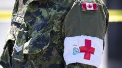 """في مجملها، فإن المهمة العسكرية لاحتواء الجائحة، والتي سُمّيت """"عملية الليزر"""" (Operation Laser)، قد أدّت إلى انفاق 463 مليون دولار ، بما في ذلك 207,8 مليون دولار لتعبئة الآلاف من الجنود وجنود الاحتياط، وفقًا للأرقام المحدثة في نهاية أغسطس آب - The Canadian Press / Paul Chiasson"""