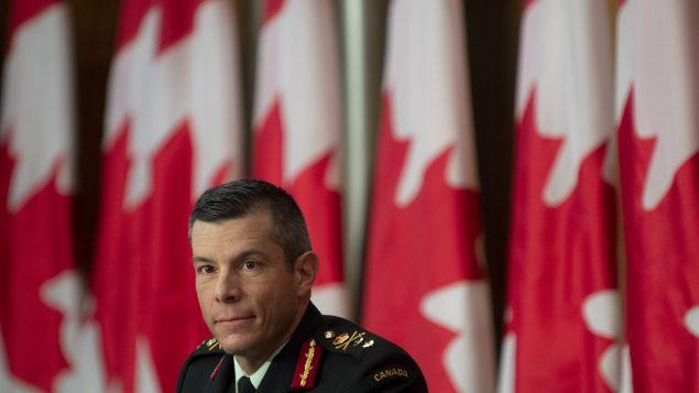 المايجور جنرال داني فورتان يترأس عمليّة توزيع اللّقاحات في كندا/Adrian Wyld/CP