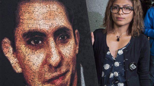 تنشط إنصاف حيدر في الدفاع عن قضيّة زوجها المدوّن السعودي رائف بدوي الذي يقضي منذ عام 2012 عقوبة السجن عشر سنوات/Paul Chiasson/CP