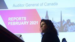المدقّقة العامّة كارين هوغان تقول إنّ الحكومة الكنديّة فشلت في تعهّدها بحلّ أزمة المياه في محميّات السكّان الأصليّين/Sean Kilpatrick/CP