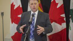 يأمل دنيس كنغ رئيس حكومة برنس إدوارد في أن ينتهي الإغلاق في المقاطعة بأسرع وقت/Brian McInnis/The Canadian Press