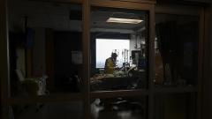 كلّيات الطبابة والصيادلة وأطباء الأسنان وممرضون وممرضات وقابلات في بريتش كولومبيا تقدموا بالاعتذار من السكان الأصليين من ضحايا التمييز العنصري/LA PRESSE CANADIENNE/NATHAN DENETTE