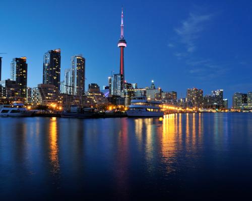 ما هي المدينة الأكثر سكانا في كندا؟