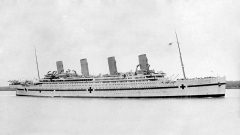 HMHS Britannic -sister ship to Titanic, sank in less than an hour after hitting a mine in 1916. (Allen Green 1878-1954) CLICK to ENLARGE