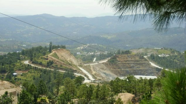 Canadian-owned gold mine closes, Guatemalans seek help