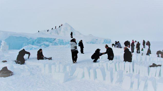 Arctic national park runs igloo building workshop