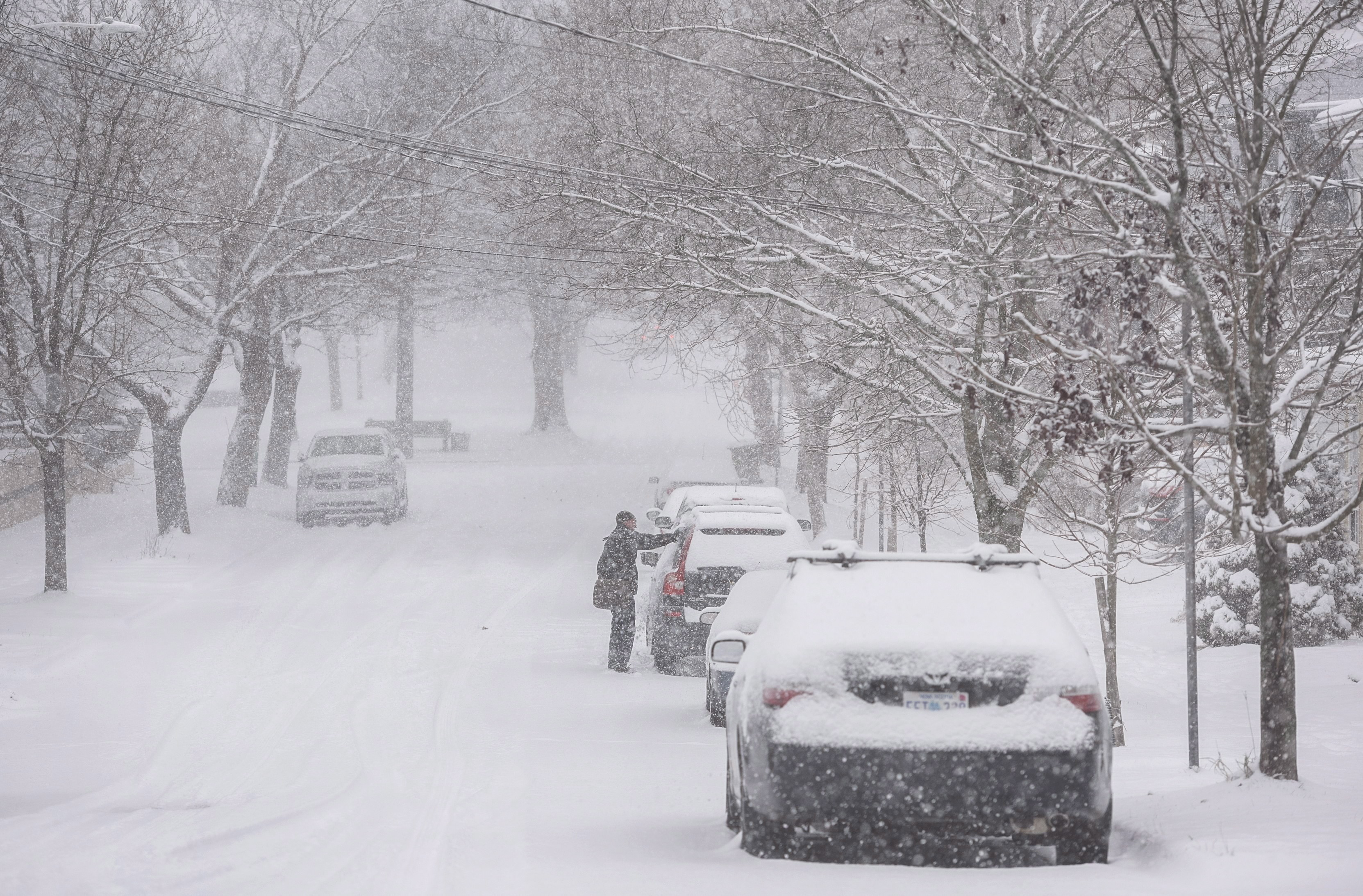 Winter Tires Quebec >> Snow season begins in eastern Canada