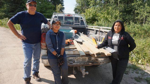 Volunteers bring running water to Indigenous homes