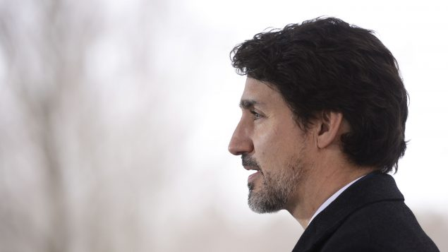 Trudeau promises surge of made-in-Canada masks, ventilators and testing kits