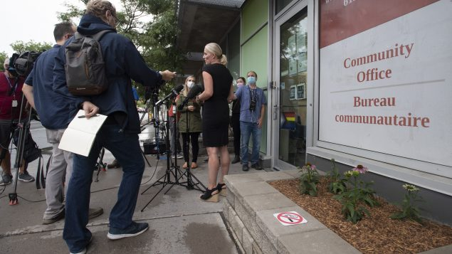 Minister Catherine McKenna speaks with the media in Ottawa