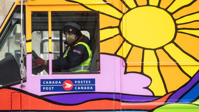 Canada Post is making an offer that'll be pretty hard to refuse (it hopes)