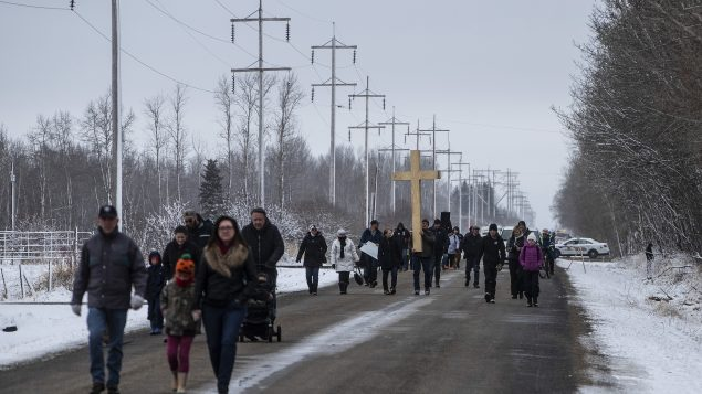 Demonstrators rally at Alberta church accused of COVID ignoring restrictions
