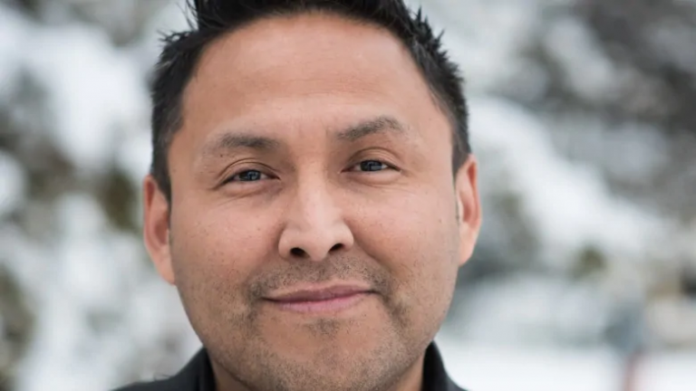 N.W.T. entrepreneur wants to help Canadian communities build their own internet networks