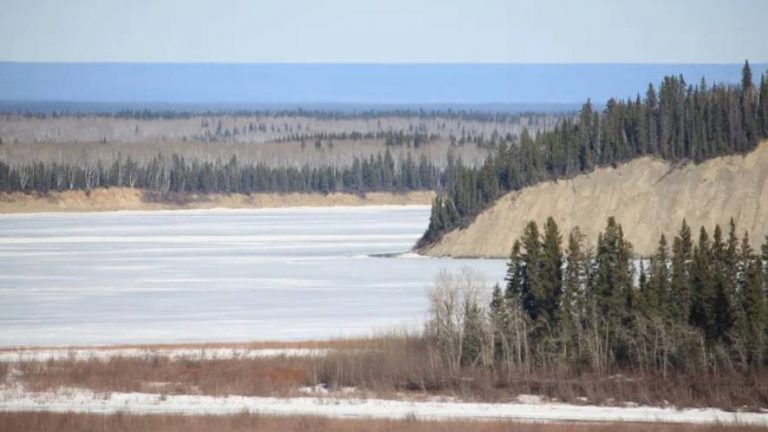Community in Canada's Northwest Territories updates flood evacuation plans