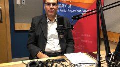 حسن كتّوعة الممثّل الرسمي لأصحاب سيّارات الأجرة في مونتريال في استديو راديو كندا الدولي/RCI