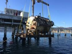 La capsula está siendo sumergida en la costa de California. /microsoft.com/natick/
