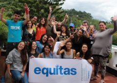 Taller de formación en Derechos Humanos con grupo de líderes y equipo de Equitas en Colombia. (Foto: Equitas)