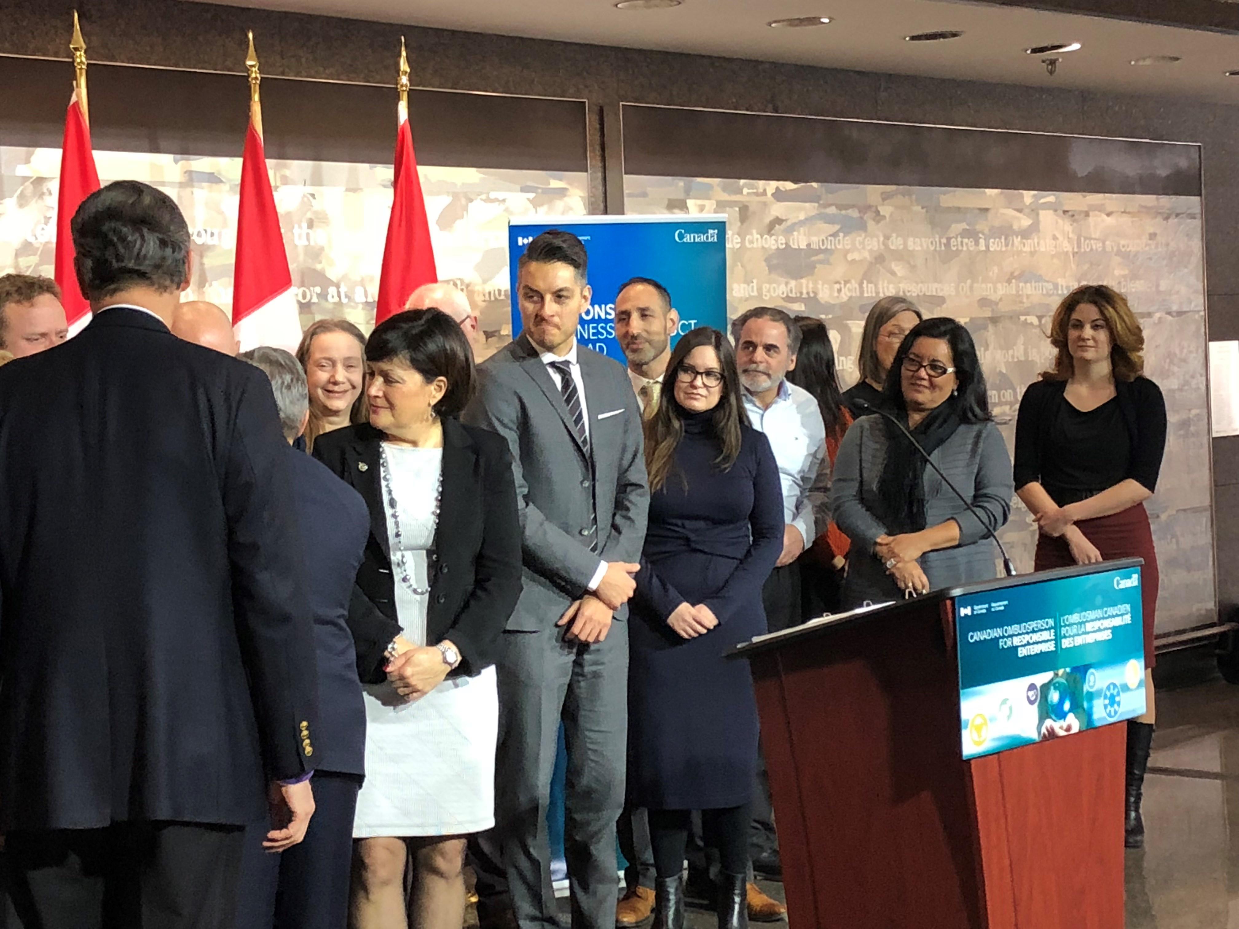 El CCCI y la creación del cargo de Defensor Canadiense de los ...