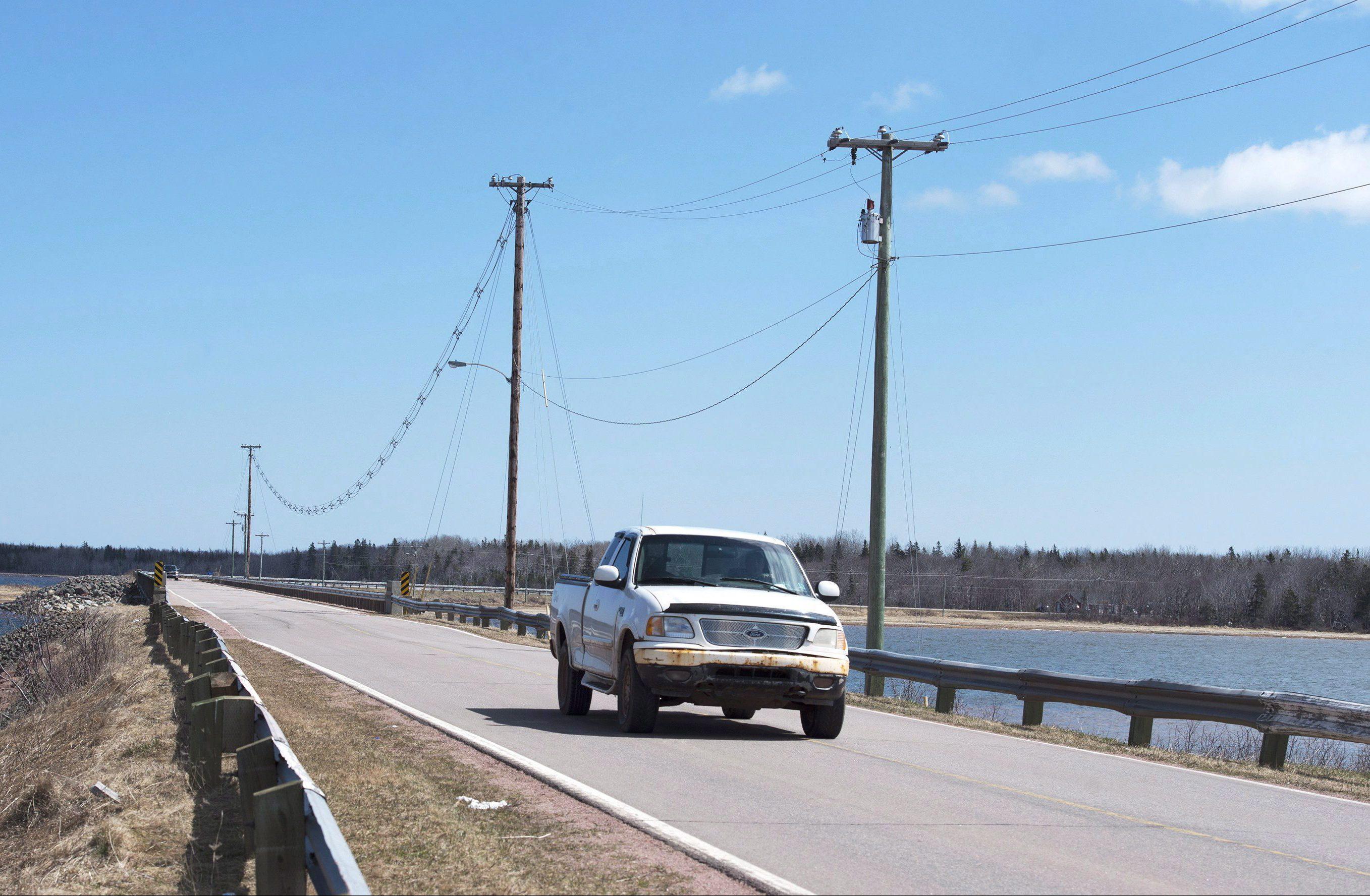 La ruta que conecta la Isla Lennox con el continente de la Isla del Príncipe Eduardo. El aumento del nivel del mar podría afectar incluso esta conexión entre los dos territorio.  ©The Canadian Press/Andrew Vaughan