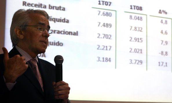 Bolsonaro confirma privatización de algunos sectores de la estratégica Petrobras