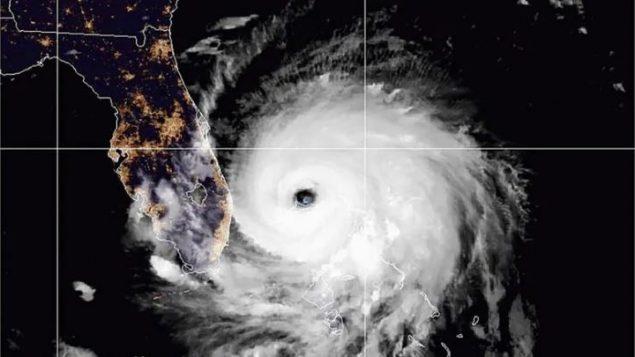 Dorian sigue azotando Bahamas tras causar devastación y unos 5 muertes
