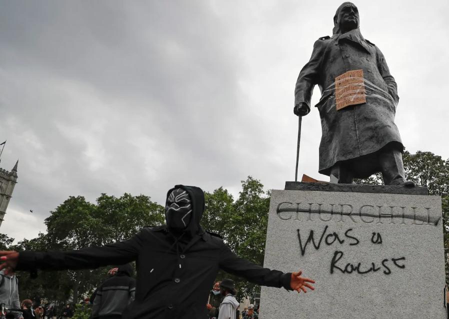La necesaria revisión de la historia derrumba estatuas – RCI   Español