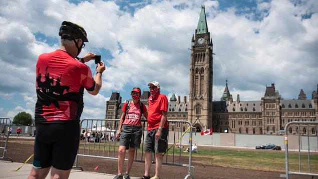 Coronavirus: Cubreboca obligatorio en espacios públicos en Ottawa
