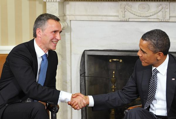 US President Barack Obama shakes hands with Norway's Prime Minister Jens Stoltenberg on October 20, 2011 in the Oval Office of the White House in Washington, DC. PHOTO: Mandel Ngan, AFP.