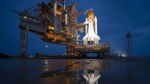NASA has closed down its shuttle programs, and the plan is that commercial space flight will take over. Photo NASA, Bill Ingalls/Scanpix, Radio Sweden.