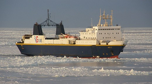RG Line's ferry RG 1, forging through spring ice in March 2011. Photo: Ola Andersson, first officer on Swedish Maritime Administration icebreaker Frej. Radio Sweden.