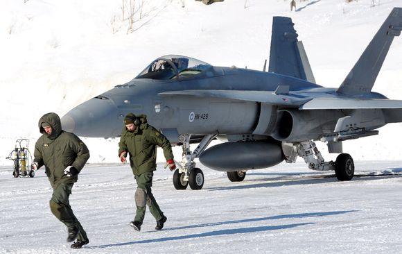 A Hornet fighter jet prepares to take off at Tampere-Pirkkala airport. Image: Heikki Saukkomaa / Lehtikuva