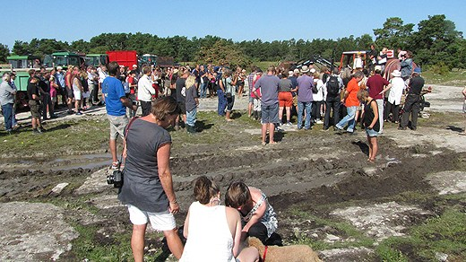 There have been demonstrations against the lime extraction. Photo: Lasse Ahnell/SR Gotland.