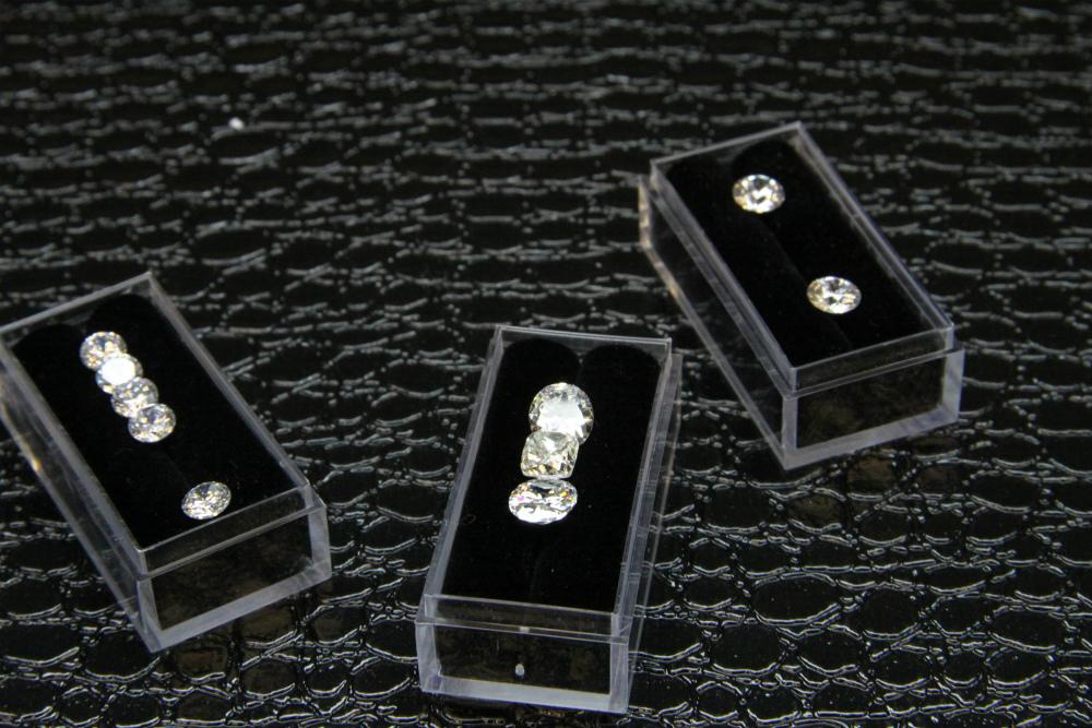 Diamonds_on_display