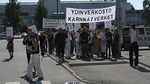 An anti-nuclear energy demonstration in Kemi last summer.  Image: Perämeri, YLE.
