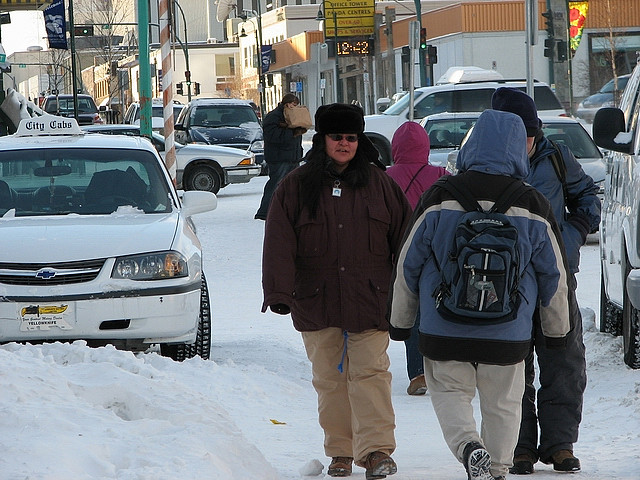 Yellowknife_street_in_winter