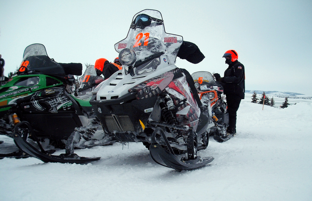 grueling iron dog snowmachine race under way in alaska eye on the arctic. Black Bedroom Furniture Sets. Home Design Ideas