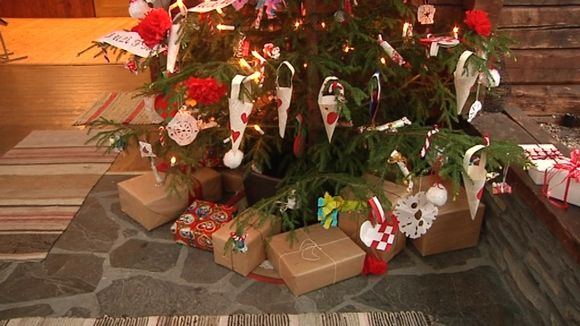 Finland Christmas Decorations.Xmas In Finland Southerners Spend On Presents Northerners