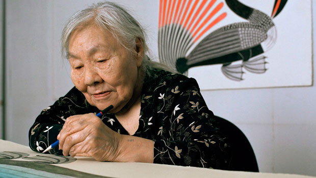 Inuit artist Kenojuak Ashevak, whose drawings, prints and sculptures have been bought and displayed around the world died at age 85 in Cape Dorset, Nunavut. (Mark Lipman/Canadian Press)