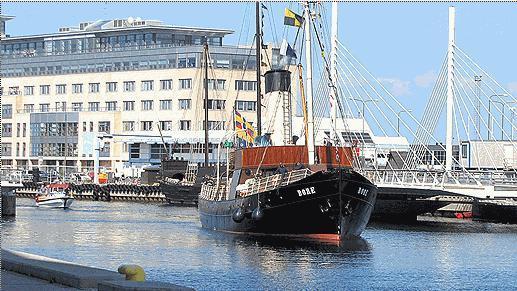 The s/s Bore on its way into Maklmö, Photo: Petra Haupt/Sveriges Radio