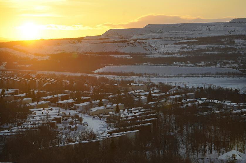 The sun sets over the minning town of Kiruna. Photo: Olivier Morin, AFP.