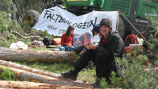 Field biologists and activits protest against Nordkalk. Photo: Hakan Erlandsson/SR Gotland