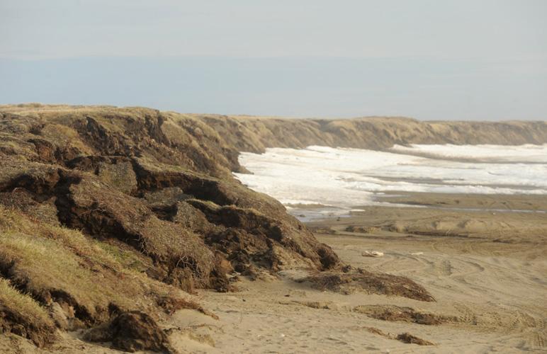 Shore erosion near Wainwright, Alaska. Photo: Stephen Nowers. Alaska Dispatch