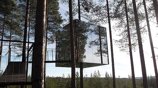 The Mirror Cube room at the Tree Hotel. Photo: Tom Sullivan / SR International