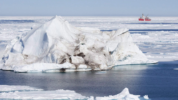 Changes to Arctic sea ice are altering land vegetation say researchers. (Jonathan Hayward, Canadian Press)