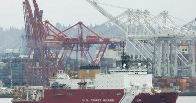 The U.S. Coast Guard icebreaker Healy. (Ted S. Warren. AP)