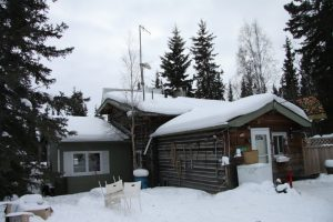 France Benoit and Doug Ritchie have named their house 'Le Refuge' - The Refuge. It's located on Madeleine Lake, about 25 km east of Yellowknife. It's a cosy log house made out of recycled telephone poles and it's not connected to Yellowknife's power network. France and Doug live off the grid.