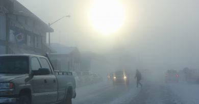 Downtown Inuvik. (Eilís Quinn / Eye on the Arctic)