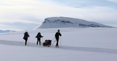 Skiing in northwest Lapland. How would a new national park change the local economy? (Yle)